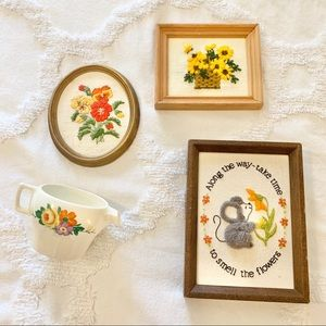 𝚅𝚒𝚗𝚝𝚊𝚐𝚎 Farmhouse Floral Needlepoint Decor